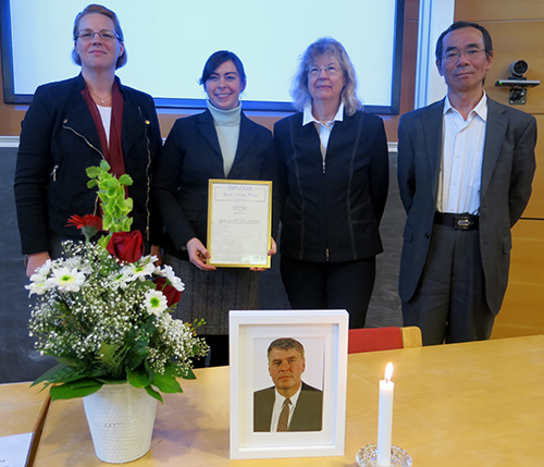 From the left: Camilla Widmark (Chair), Leslie Richardson (award winner), Åsa Löfström (co-funder of the prize) and Peichen Gong (editor on JFE)